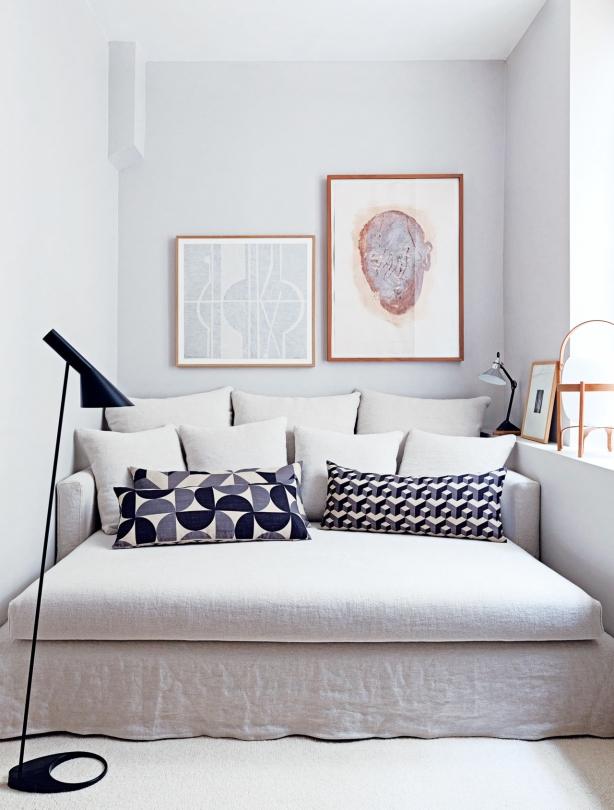 appartamento-francese-couch-gervasoni-carl-hansen-franch-apartment-bright-luminoso-white-bianco