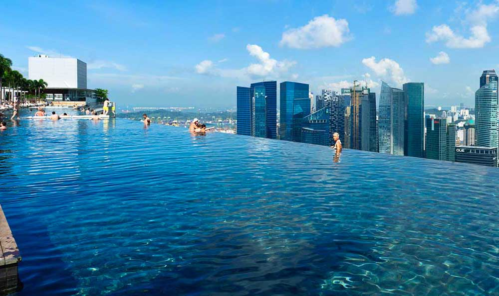 Top10 dream pools camilla bellini the diary of a designer for Singapour marina bay sands piscine