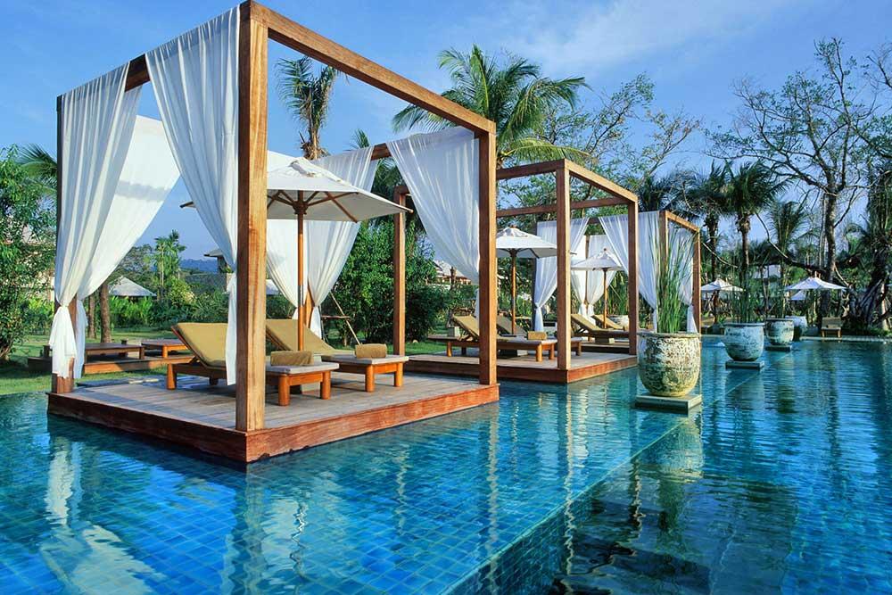 top ten swimming pool by Camilla Bellini in the blog the diary of a designer. sarojin tailandia