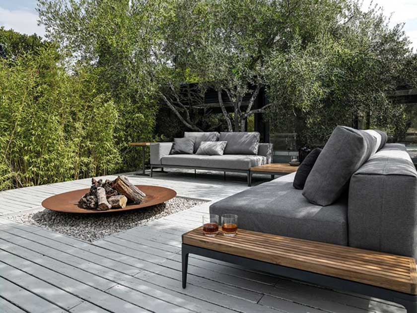 grid-couch-sofa-gloster-divano-outdoor-furniture-garden-summer-mobili-giardino-Camilla-Bellini-design-blogger-blog-the-diary-of-a-designer
