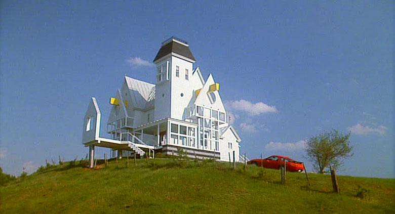 5-beetlejuice-movie-house-outdoor-tim-burton-winona-ryder-ristrutturazione-camilla-nellini-the-diary-of-a-designer