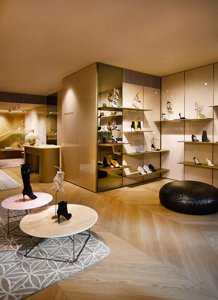 The Gianvito Rossi 39 S Boutique In New York Interior Design Assistant Nyc Jobs