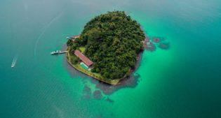 Isola privata + villa da sogno mood on! Vi presento AB House