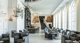 Today's French style: this is the Hotel des Cures Marines