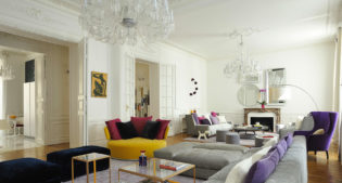A Parisian apartment and an explosion of colors!
