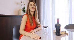 Estroverso: a gleaming and brilliant wine glass for design lovers