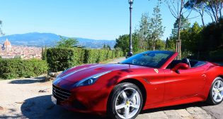Touring in Florence with a Ferrari California T: done!