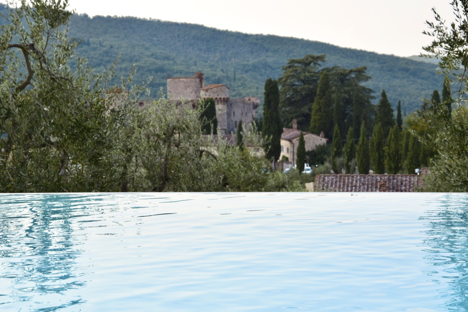 Piscina del Castello di Meleto a Gaiole in Chianti