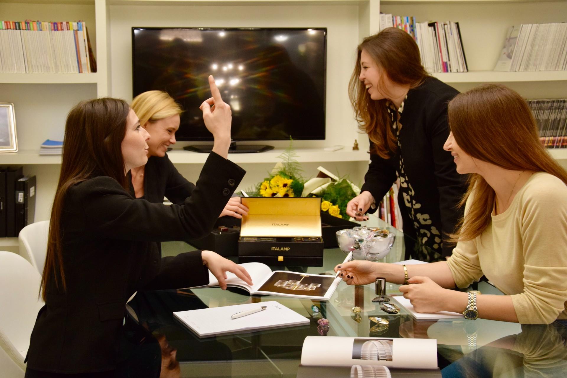 azienda-italamp-ragazze-intervista
