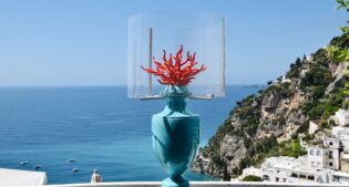 Les First, but not the last: the myth of the lamps that lights up in Positano